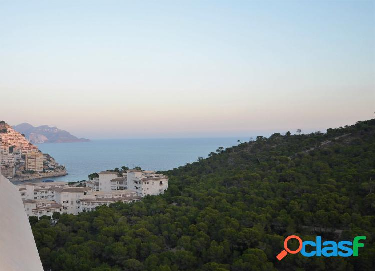 Atico duplex luminoso villajoyosa con vistas al mar y montaña de dos dormitorio sevendgroup.com