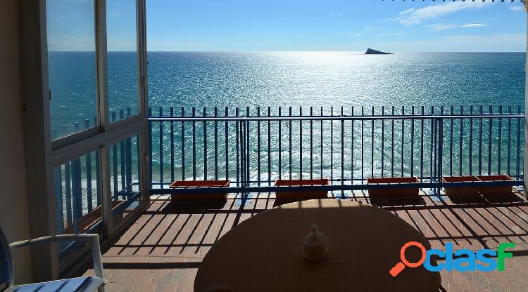Se vende piso de dos dormitorios con estupendas vistas al mar en primera linea levante sevendgroup