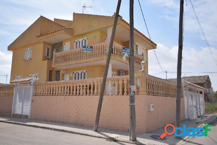 Se vende chalet con vistas al mar a 15 minutos de cartagena, zona los urrutias.