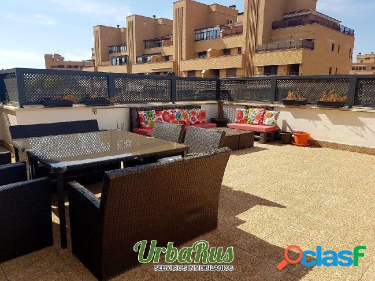 Venta precioso piso con terraza de 100 m2 zona universidad
