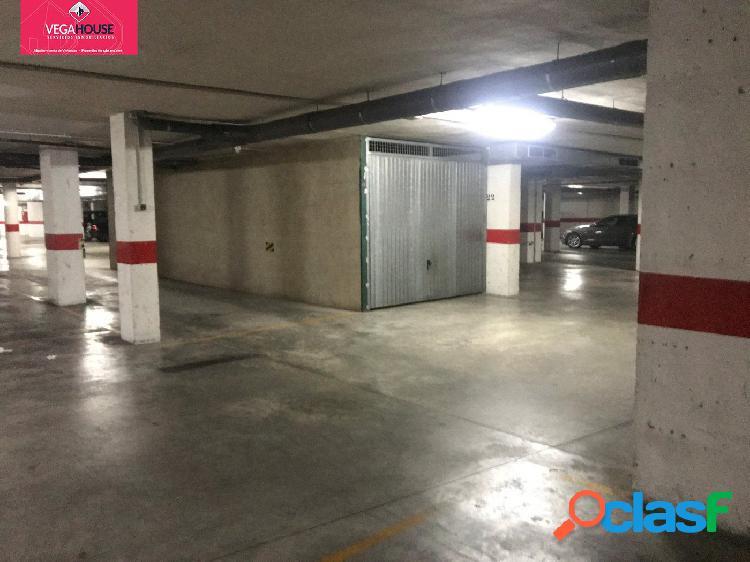 Dos plazas de garaje-trastero cerradas de forma diáfana
