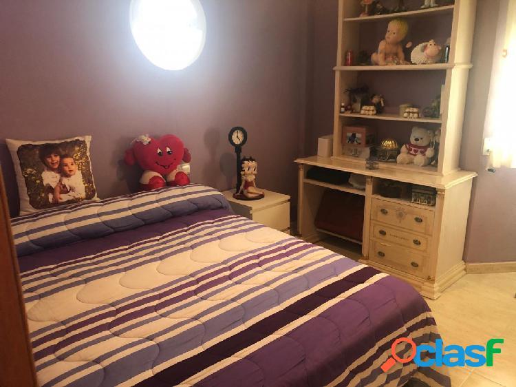 Precioso chalet en zona de montesol en la nucia de 5 dormitorios 3 baños, garaje y parking 2 vehicul