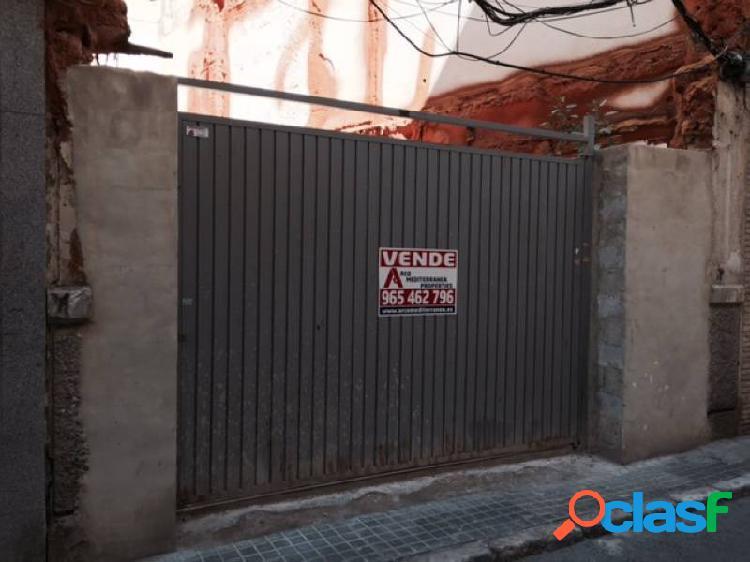SOLAR EN VENTA EN EL CENTRO.- ZONA IGLESIA EL SALVADOR