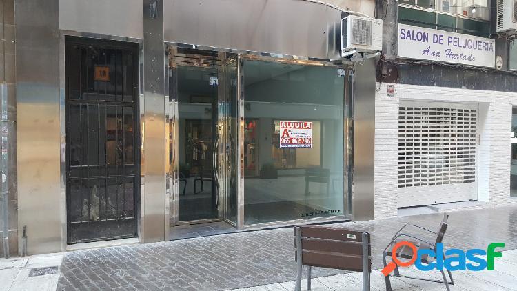Local comercial junto a la glorieta en pleno centro de elche