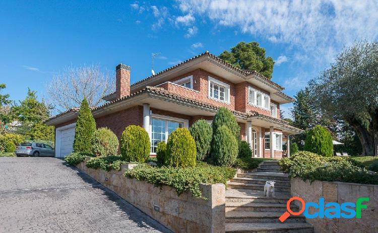 Exquisita casa estilo neoclásico en bellaterra