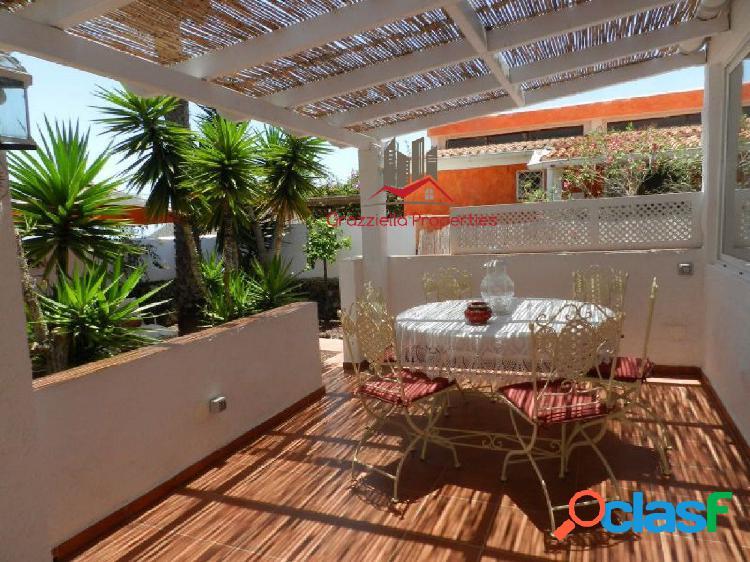 Venta magnífica casa independiente con jardín.