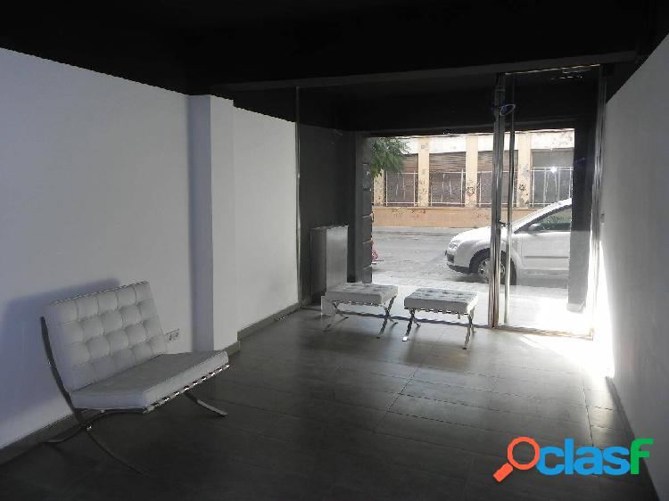 Se vende local comercial de 180m² en Burjassot (Divisible)