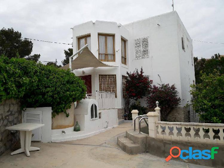Alquiler en ibiza, zona dalt villa, casa de 5 dormitorios. ideal para empresas