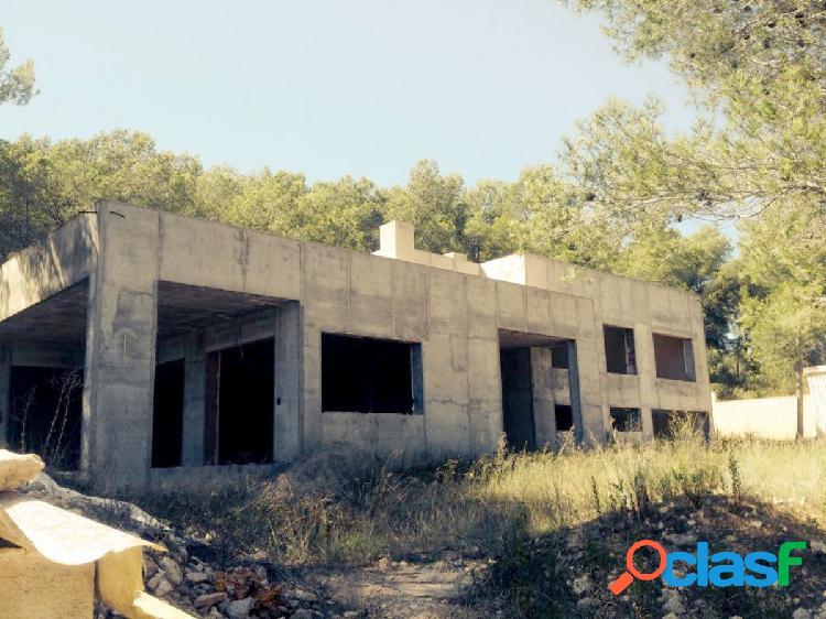 Parcela de 980 m2 en Tarragona a 5 min. de Sant Pere i Sant Pau, con casa construida al 75%. 1