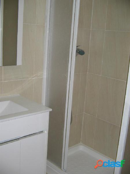 Vivienda luminosa, con 3 habitaciones, cocina y baño reformado