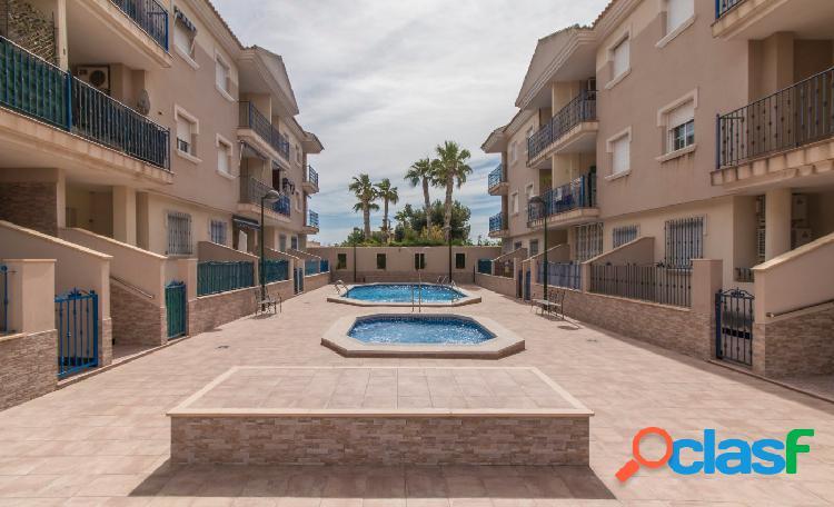Apartamento muy acogedor de 2 habitaciones en urbanizacion con piscinas.