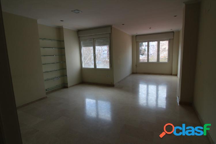 Se vende piso de 186m2 en Ramon y Cajal