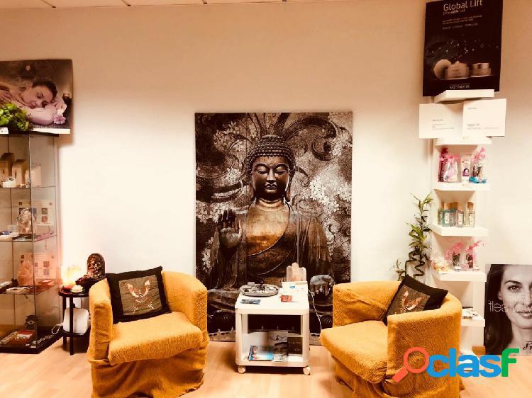 Se traspasa local comercial en Adeje. Centro de estetica