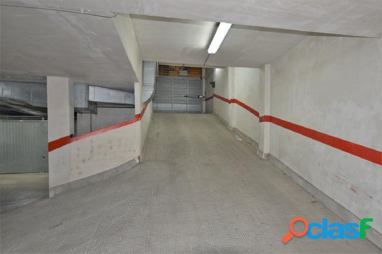 Garaje cerrado en elda, zona ayuntamiento