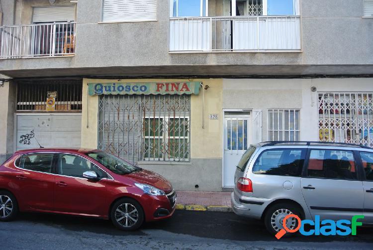 Local comercial situado junto colegio cuba y consum