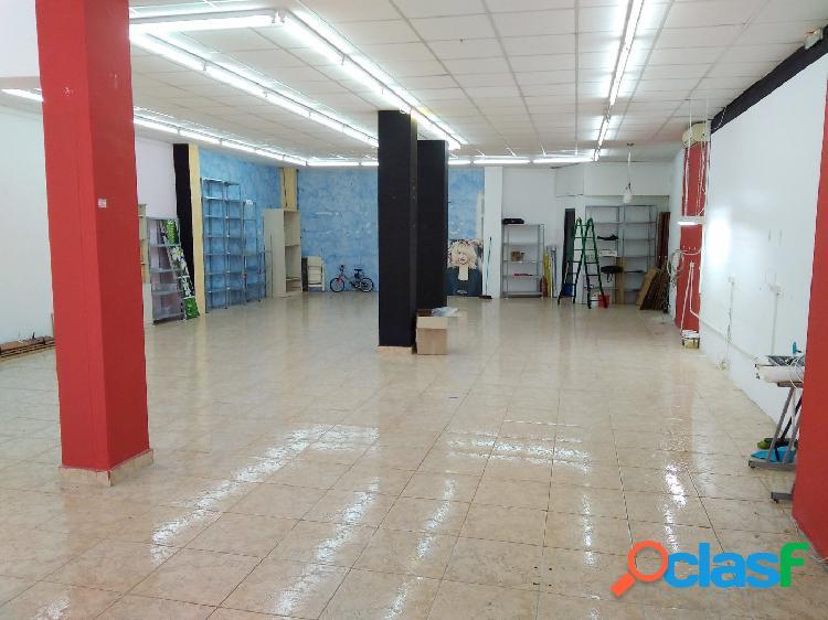 Planta baja 170 m2 para comercio o garaje