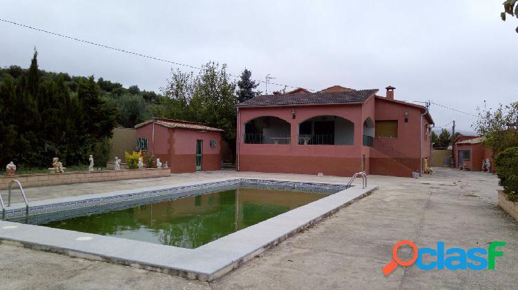 Se vende o alquila casa con terreno en cocentaina - pt. pequis