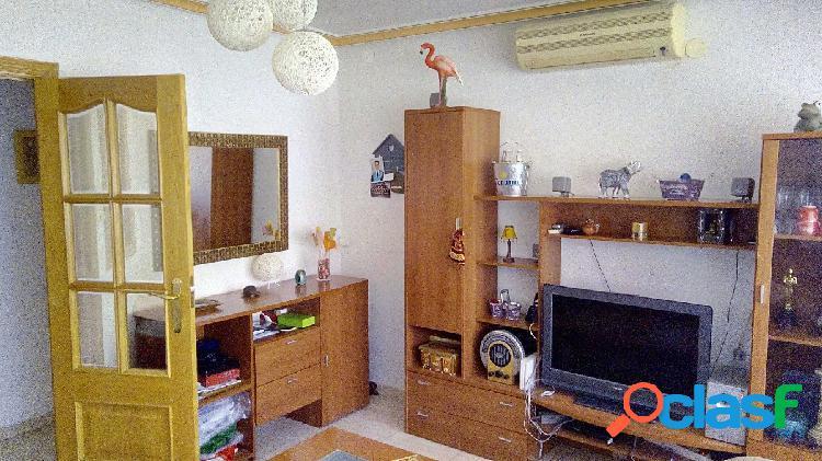 Se vende piso reformado en Alcoy -- Zona Norte