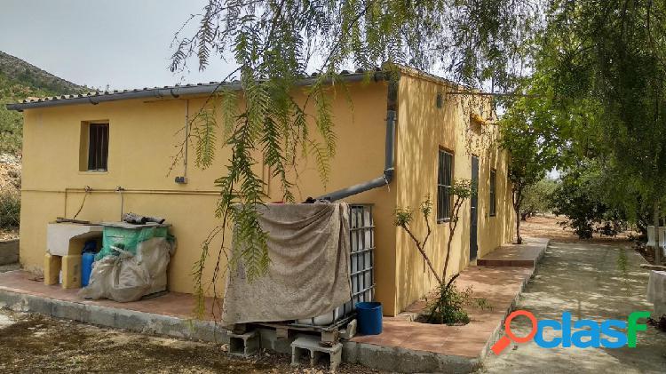 Se vende casa con terreno entre beniarres y gaianes