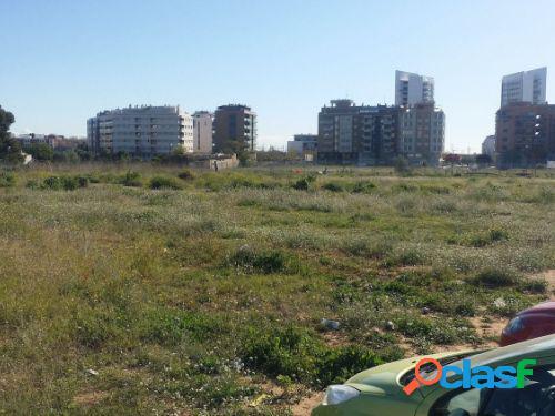 Alquilo o vendo solar urbano de 6600 m2 en park central en torrente