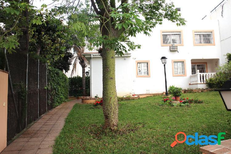 Villa para reformar con una ubicacion excepcional en la mejor zona de nueva andalucia