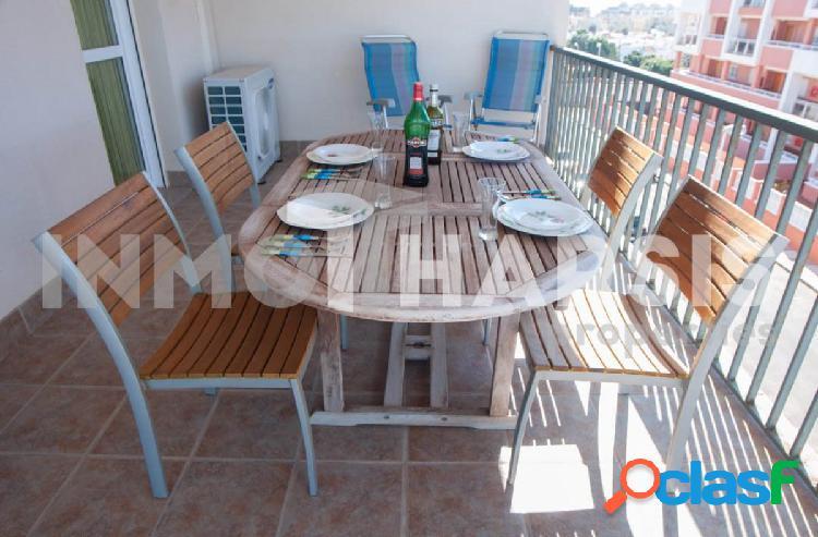 Alquiler larga temporada urbanizacion de roquetas apartamento con terraza y piscina