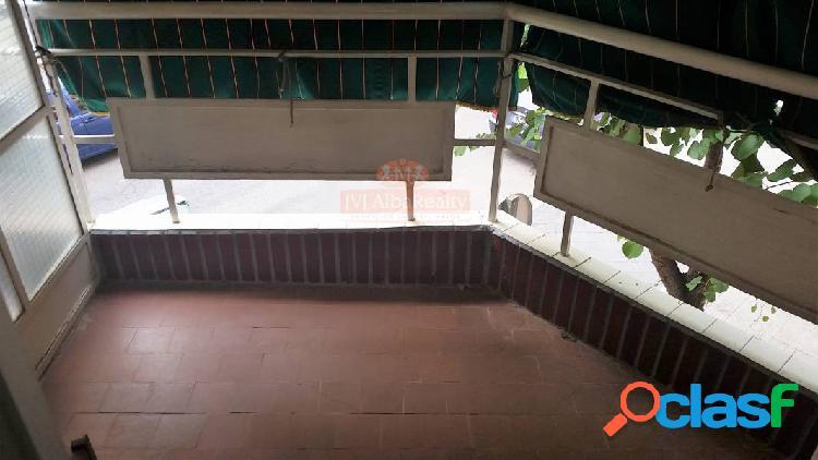 Reforme y estrene amplio piso 127m. 4 habitaciones y 2 baños zona ensanche-franciscanos