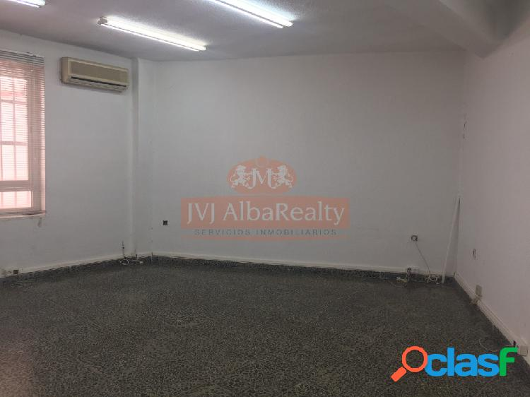 Se vende oficina despacho en la plaza isabel ii, 32 m2, 55.000 €