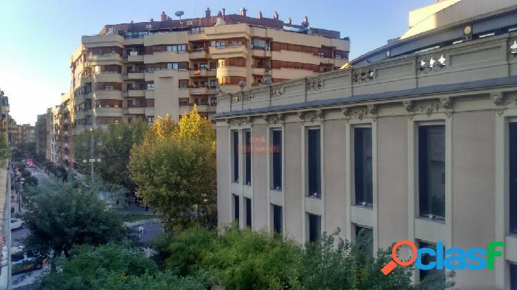 Se vende piso en zona plaza gabriel lodares 107m2, para reformar, garaje opcional