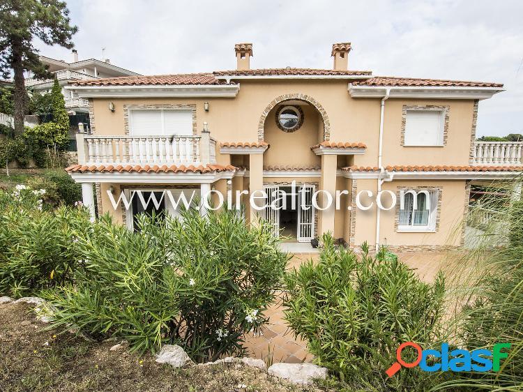 Elegante casa en venta en la urbanización condado del jaruco en lloret de mar, costa brava