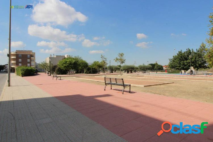 Red oriol vende plazas de parking en almoradí – zona estadio sadrian