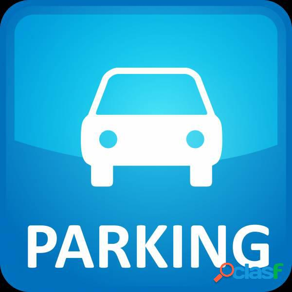 PARKING EN GRACIA SABADELL, 2 MIN FFCC