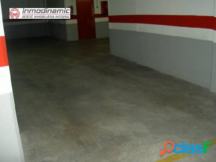 Plaza de Parking ideal para coche y moto 2