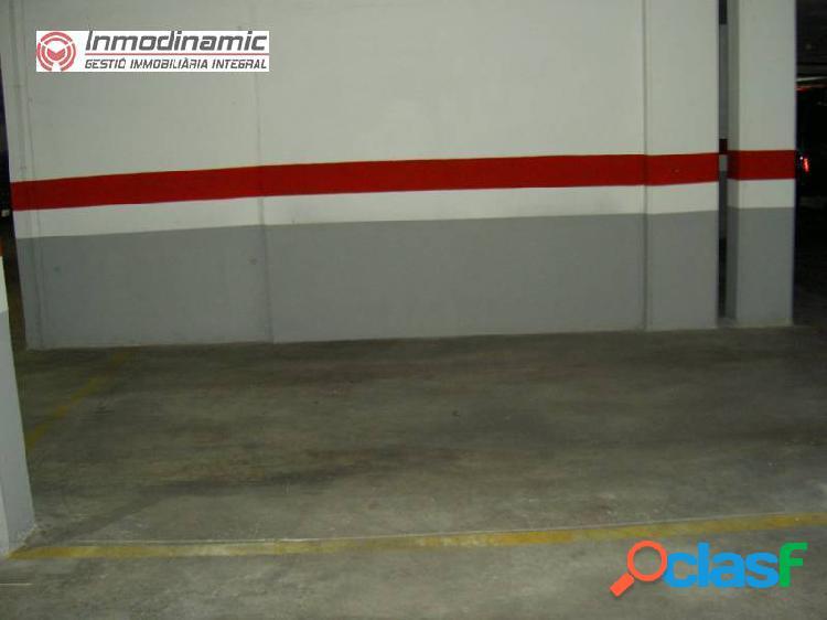 Plaza de Parking ideal para coche y moto 3