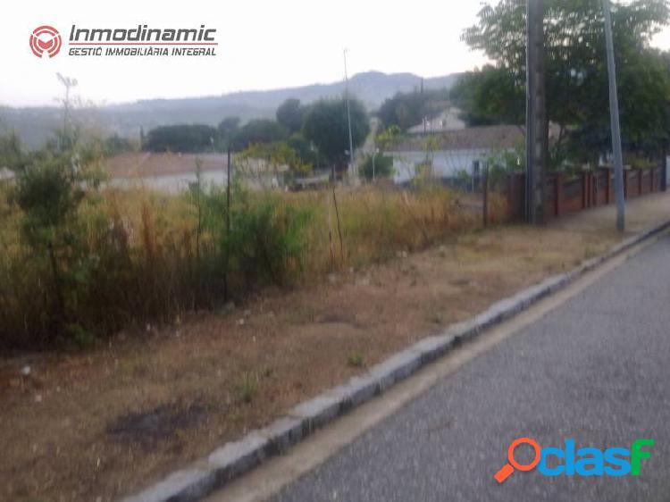 Terreno urbanizable de 839 m2 en Can Barri