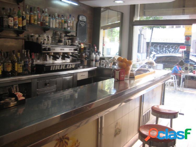 Bar en traspaso con licencia c3 en la nova esquerra del eixample