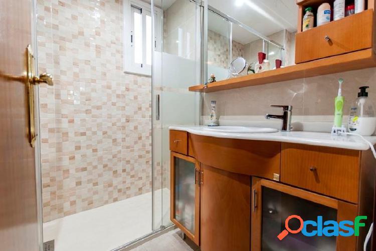 Piso 100 m2+ amplia plaza de parquing en zona tranquila