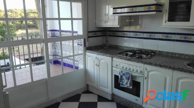 Magnifica casa en zona residencial de cerro muriano, con patio, terraza y muchas mejoras.