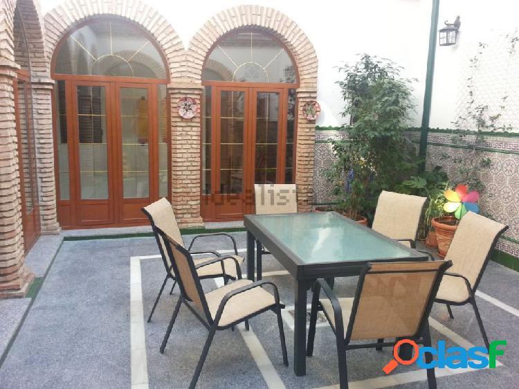 Casa independiente junto a san lorenzo, reformada recientemente, con dos estupendos patios y cochera
