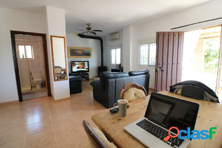 Parcela con 2 viviendas, estudio y zona de cuadras en alhaurin el grande