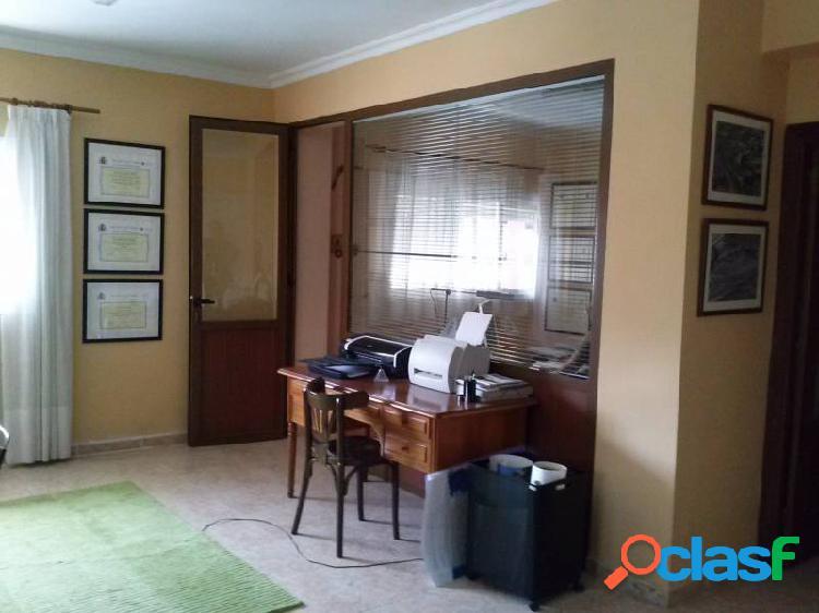 Piso de 3 Habitaciones más despacho 120 m2 Ideal como despacho profesional