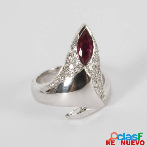 Anillo de oro blanco con un rubã y diamante de segunda mano e298175b