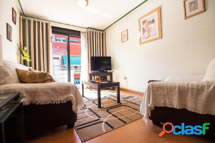 Apartamento de 3 dormitorios a 100 metros de la playa de los locos en torrevieja