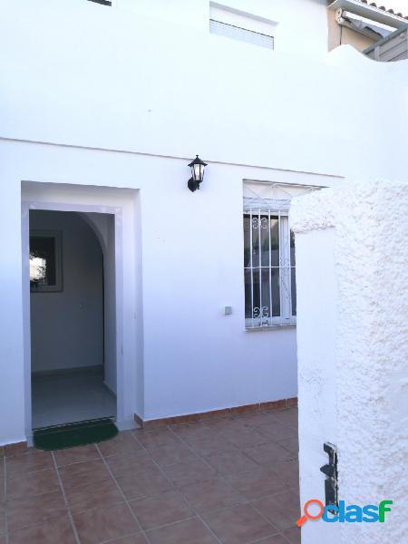 Casa adosada de 3 dormitorios a 900 metros de la playa de La Mata en Torrevieja 3