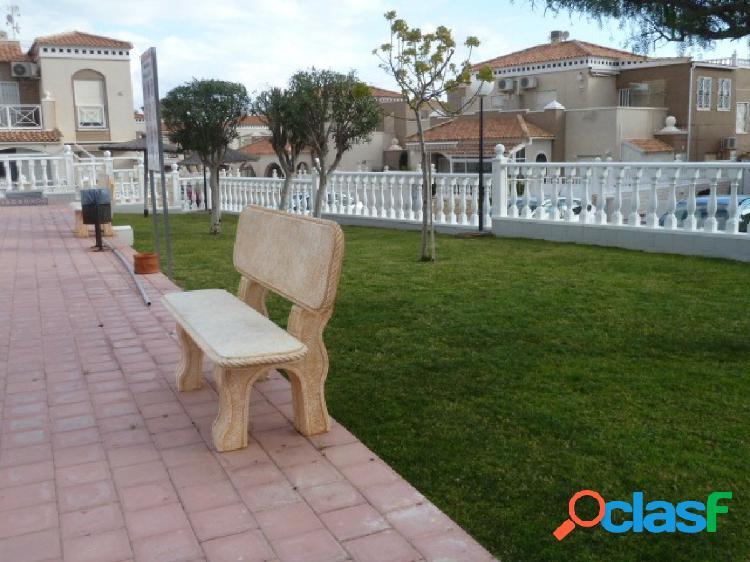 Vivienda familiar en barrio residencial muy solicitado-Altos de Bahia,Torrevieja 2