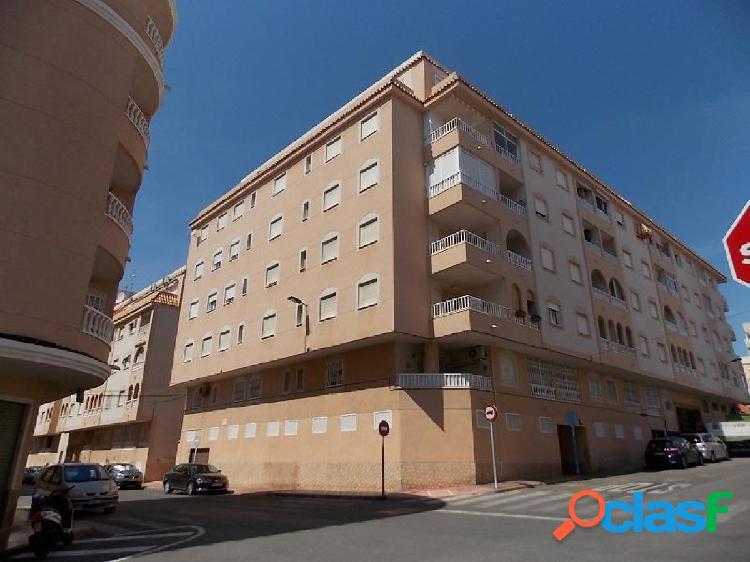 Apartamento 2 dormitorios, piscina comunitaria a 700 metros del paseo marítimo