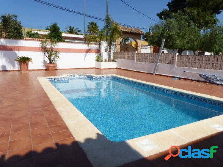Chalet independiente piscina