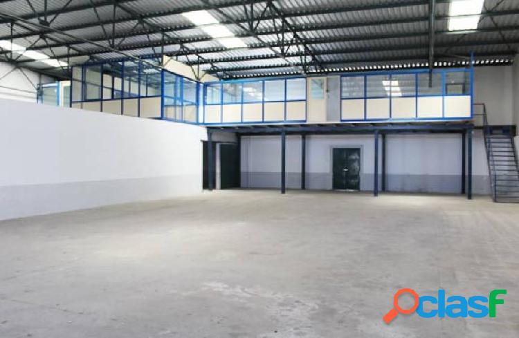 Nave industrial - 592 m2 - polig. el nevero - badajoz