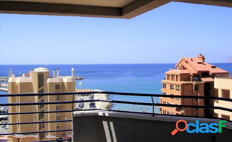 Oferta! ático duplex en la playa de calpe con vistas al mar y al peñón