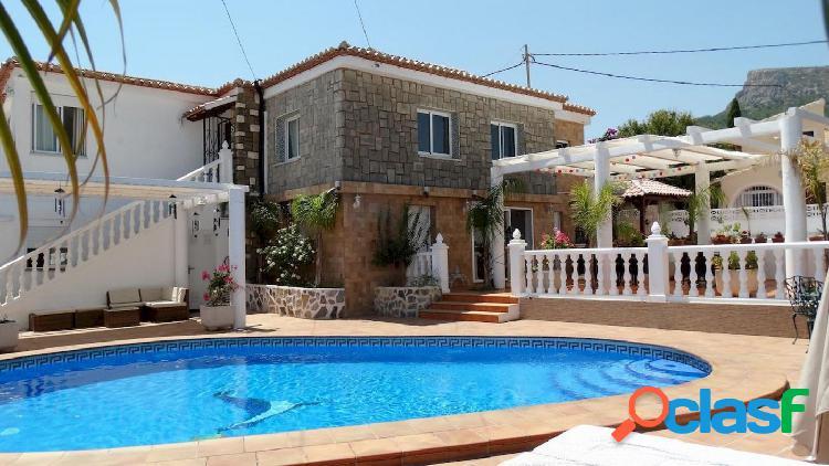 Villa espaciosa en calpe, ideal para hostal